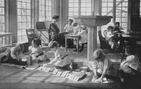 Le respect des périodes sensibles Montessori - la clé de l'apprentissage réussi